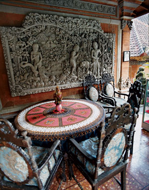 A patio at the royal palace in Ubud.